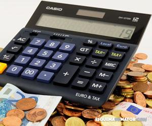 monedas con una calculadora contable
